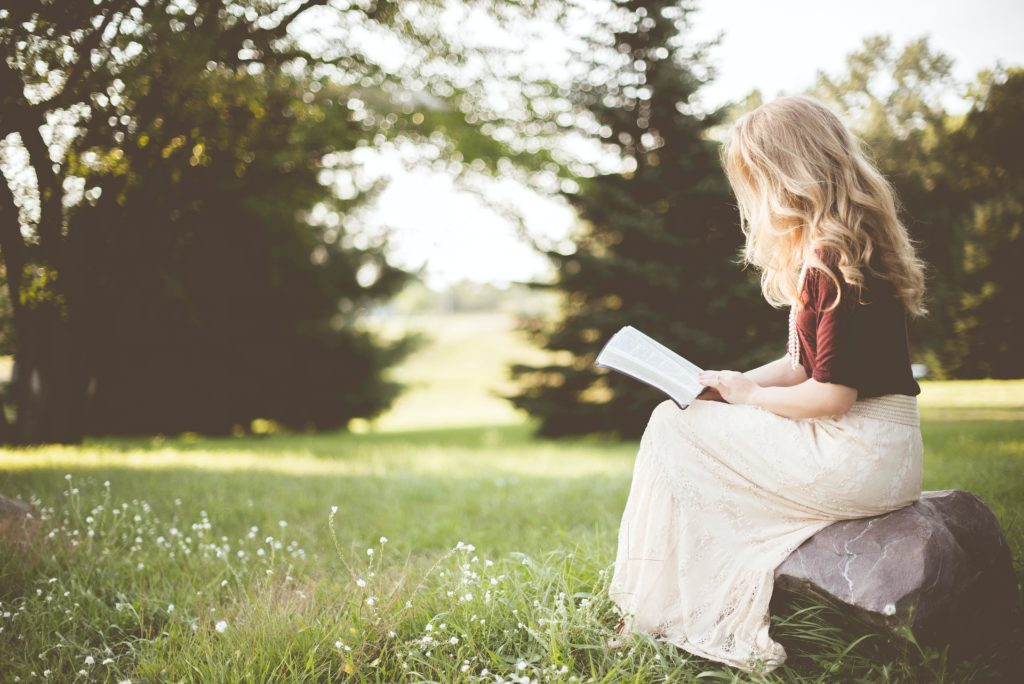 žena čita