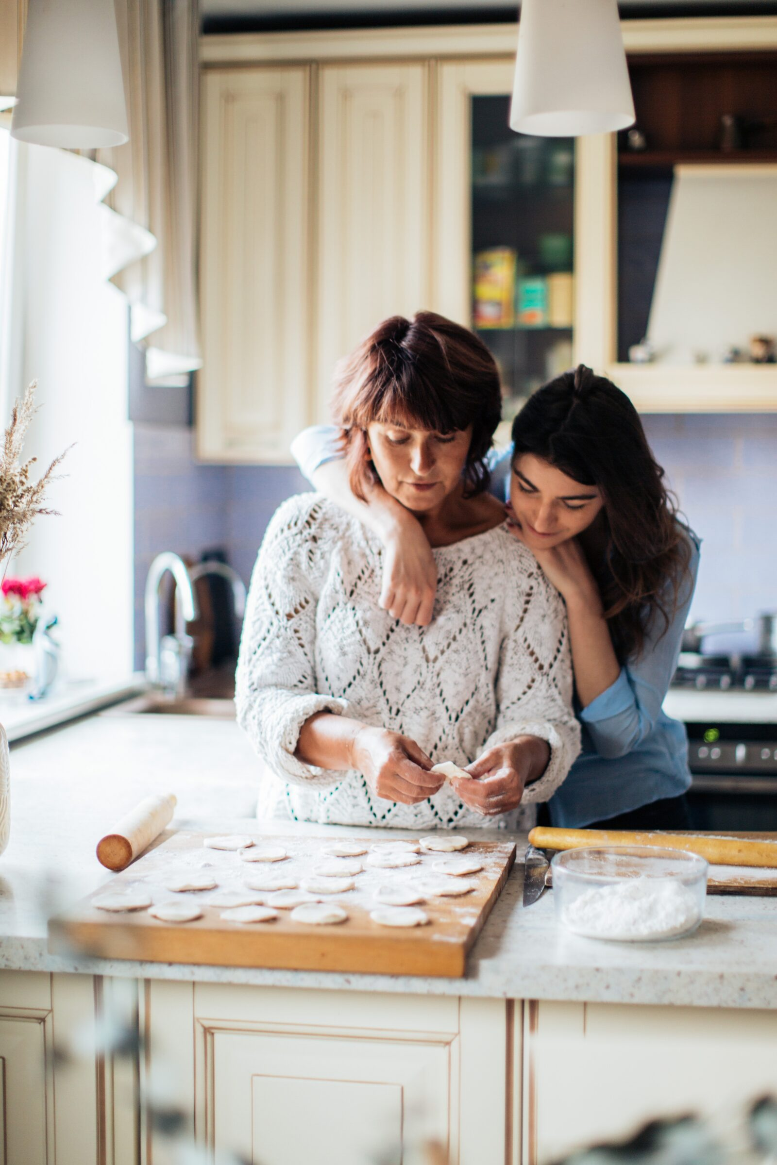 Women Making Pelmeni 3893532